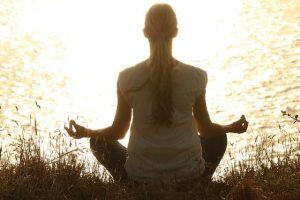 Estude com os livros para aprender a meditar
